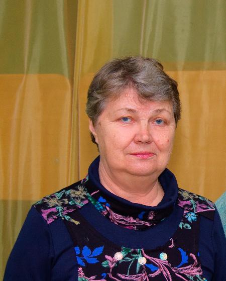 Вихователь середньої групи Ярмолович Ірина Іванівна, вища педагогічна освіта